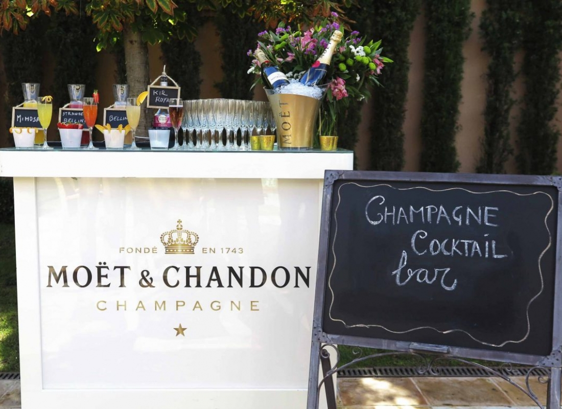 Champagne cocktail bar 2