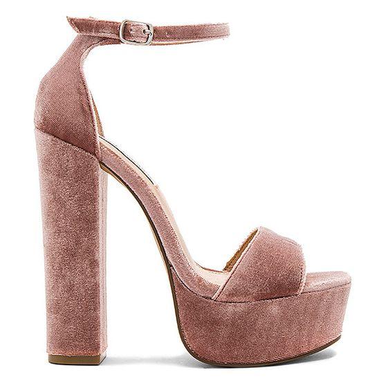 los zapatos de terciopelo para las novias - la quinta de jarama