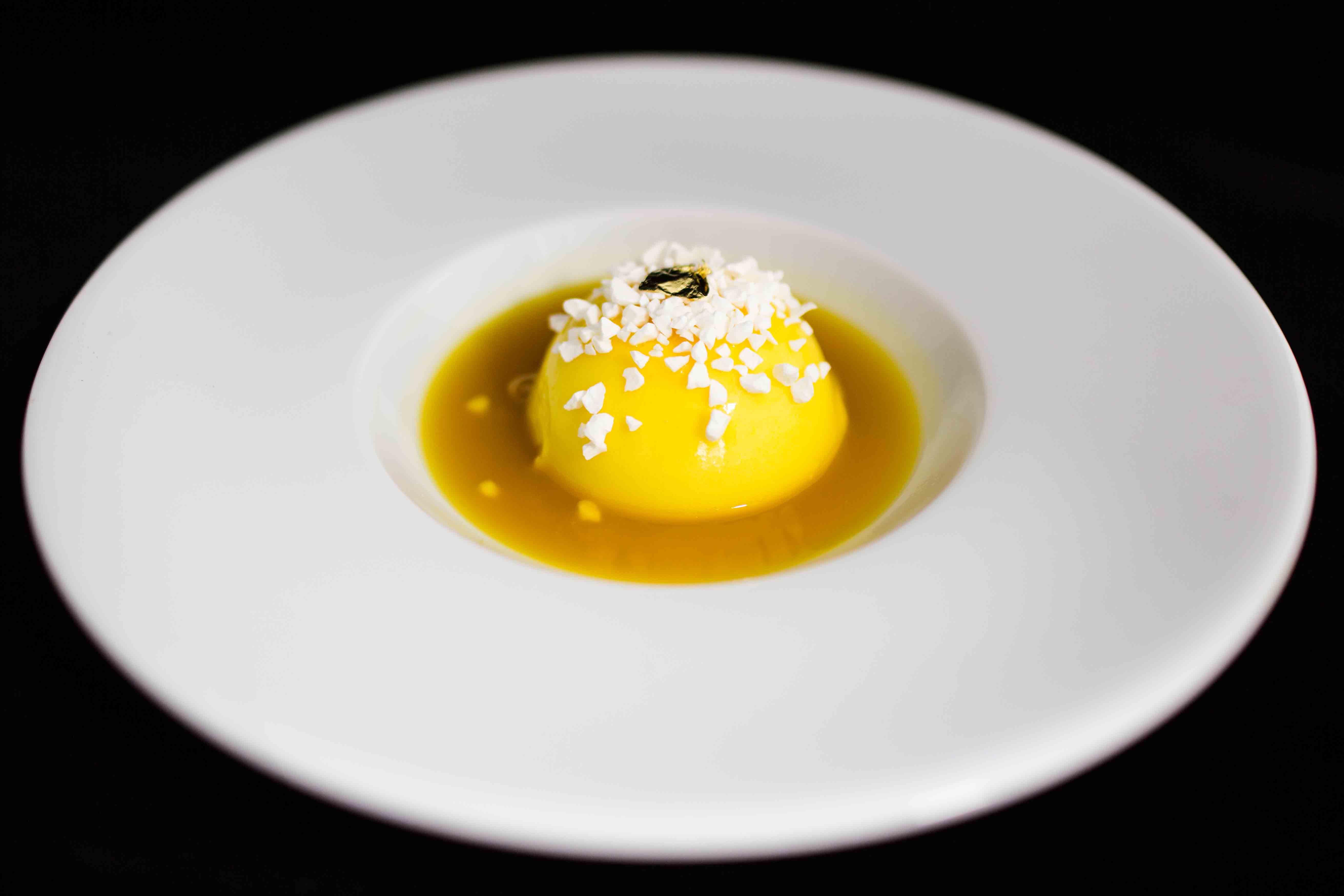 pastel-de-citricos-con-su-coulis-y-crocanti-de-yogur01